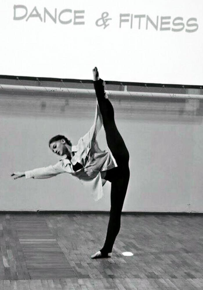 Contemporary dance. Maria Miroshnychenko. Мария Мирошниченко. Марія Мірошниченко. Maria Miro